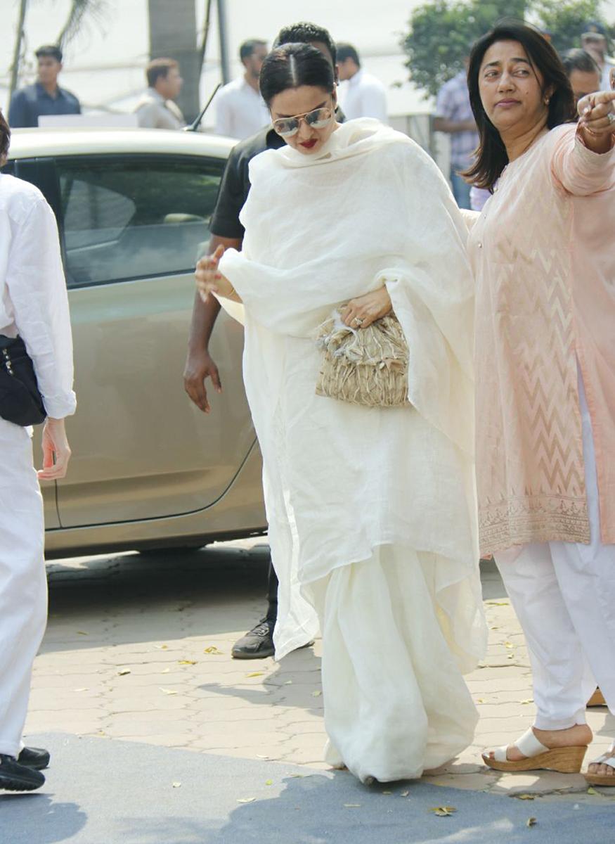 രേഖ സെലിബ്രേഷൻ സ്പോർസ് ക്ലബിൽ