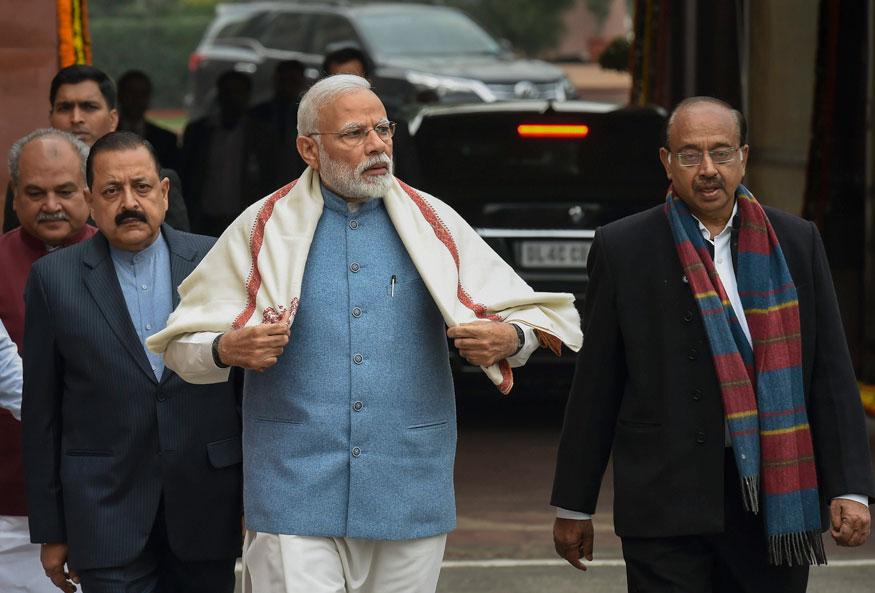 പ്രധാന മന്ത്രി നരേന്ദ്ര മോദി പാർലമെന്റിലെത്തുന്നു
