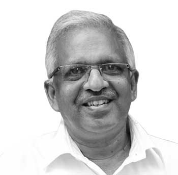 <strong>പി. ജയരാജൻ</strong> - വടകര: സിപിഎം കണ്ണൂർ മുൻ ജില്ലാ സെക്രട്ടറി, കൂത്തുപറമ്പിൽ നിന്നു 3 തവണ നിയമസഭാംഗം (2001, 2006 തിരഞ്ഞെടുപ്പുകളിൽ ജയം. 2001 ലെ വിജയം സുപ്രീം കോടതി റദ്ദാക്കിയതിനെത്തുടർന്നു 2005 ൽ നടത്തിയ ഉപതിരഞ്ഞെടുപ്പിലും വിജയിച്ചു.)