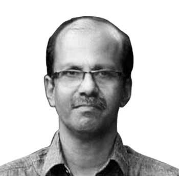കെ.പി. സതീഷ് ചന്ദ്രൻ - കാസർകോട്: എൽഡിഎഫ് ജില്ലാ കൺവീനർ, രണ്ടു തവണ സിപിഎം ജില്ലാ സെക്രട്ടറി, തൃക്കരിപ്പൂരിൽ നിന്നു രണ്ടു തവണ എംഎൽഎ