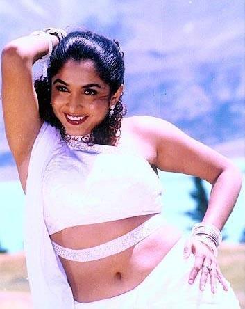 ജൂൺ 12, 2003 ൽ തെലുങ്ക് നടനായ കൃഷ്ണ വംശിയുമായി വിവാഹം ചെയ്തു.