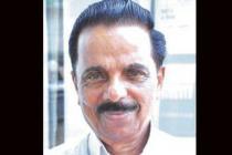 രാജ്മോഹൻ ഉണ്ണിത്താന്റെ സ്വീകരണ ചടങ്ങിനെത്തിയ കോൺഗ്രസ് നേതാവ് കുഴഞ്ഞു വീണ് മരിച്ചു