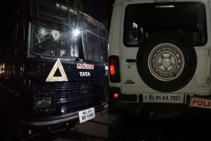 കൊല്ലം പത്തനാപുരത്ത് CPM- CPI സംഘർഷം; പൊലീസ് വാഹനങ്ങൾ തകർത്തു
